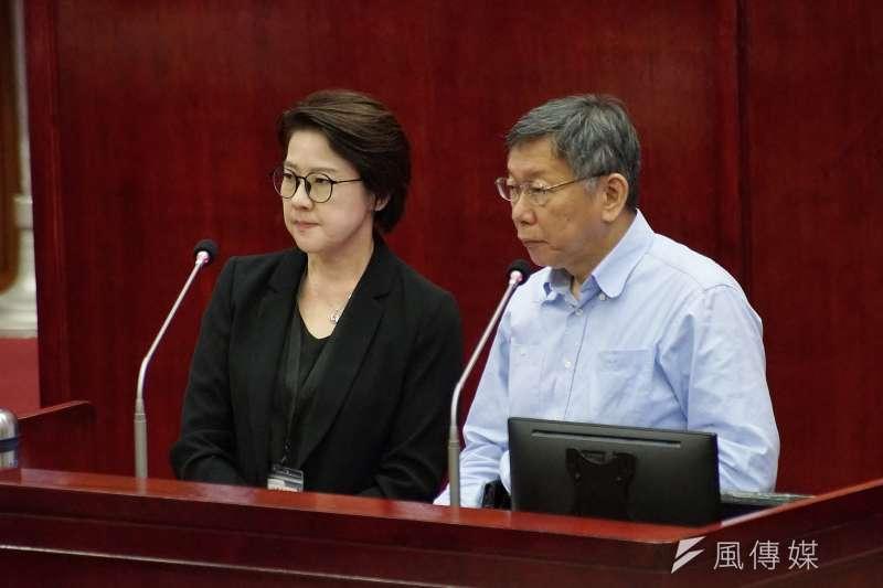 台北市長柯文哲(右)表示,北市府已正式回函給政院對萊豬進口表達意見。(盧逸峰攝)
