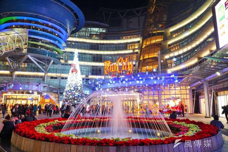 新竹市長林智堅日前表示,新竹市民消費力很強大都在購物中心直接消費,不需要OUTLET。圖為新竹市民主要購物據點、遠東巨城購物中心。(盧逸峰攝)