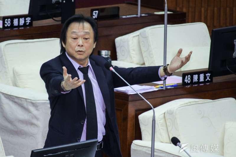 民進黨台北市議員王世堅(左)批評,行政院長蘇貞昌帶頭耍陰,應盡快更換發言人。(資料照,蔡親傑攝)