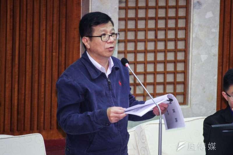 20201109-北市議員潘懷宗出席市議會第9次會議質詢。(蔡親傑攝)