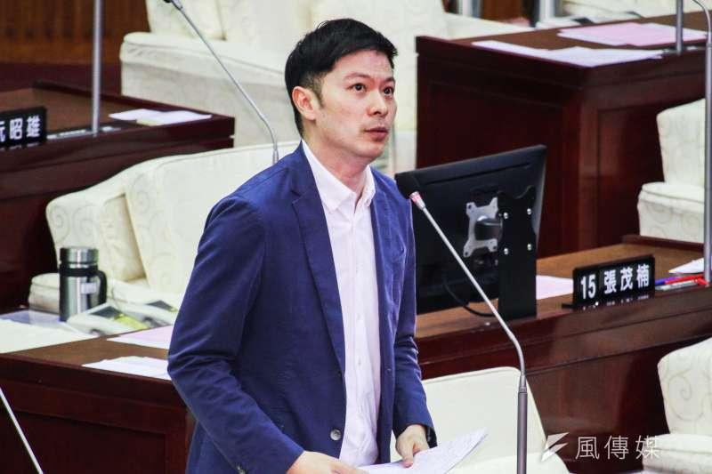 台北市議員李柏毅接獲爆料,指出畜產公司數百人因逃避疫苗造冊快閃逃離醫院。(資料照,蔡親傑攝)