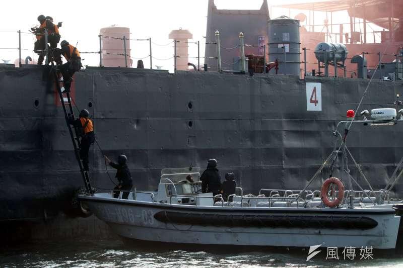 20201109-外傳出美國海軍陸戰隊資深現役特戰幹部抵台,將授我陸戰隊等單位突擊艇操作等戰技,不過海軍司令部對此態度低調。(蘇仲泓攝)