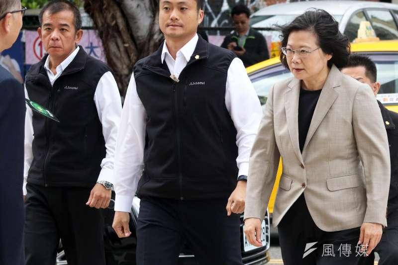 前總統府侍衛長張捷(左)挺過私菸風暴,出任參謀本部訓練次長。(資料照,蘇仲泓攝)