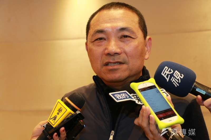 新北市長侯友宜14日表示,若不開放萊豬進口,他會給執政黨100分。(李梅瑛攝)