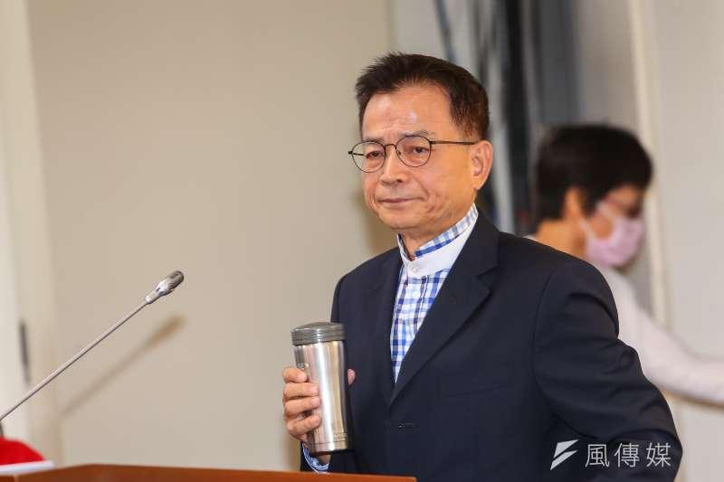 20201118-國民黨立委賴士葆18日於立院經濟委員會質詢。(顏麟宇攝)