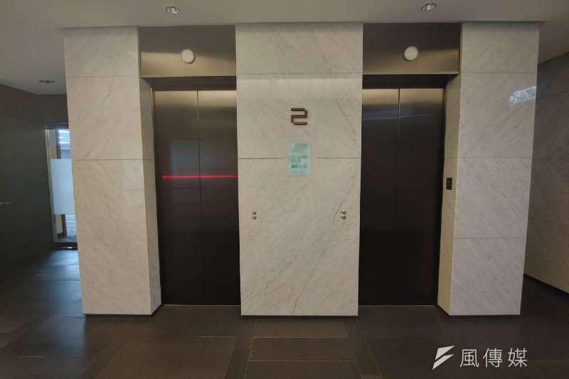 電梯數量設置可以通過停等與轉換時間,針對戶數與住戶人數計算出恰當的設計。(新新聞資料照)