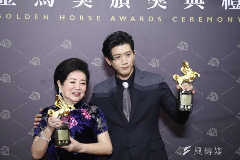 20201121-第57屆金馬獎,最佳女主角陳淑芳(孤味)、最佳男主角莫子儀(親愛的房客)。(陳品佑攝)