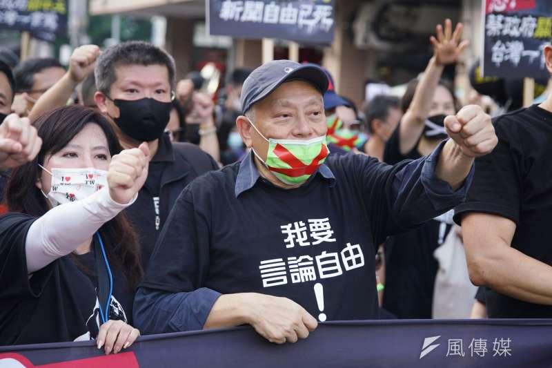 20201122-2020秋鬥遊行於22日登場,旺中集團董事長蔡衍明出席。(盧逸峰攝)