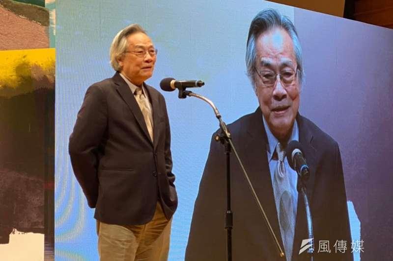 卓越新聞獎基金會24日舉行頒獎典禮,《上報》董事長王健壯獲頒「新聞志業特殊貢獻獎」。(風傳媒)