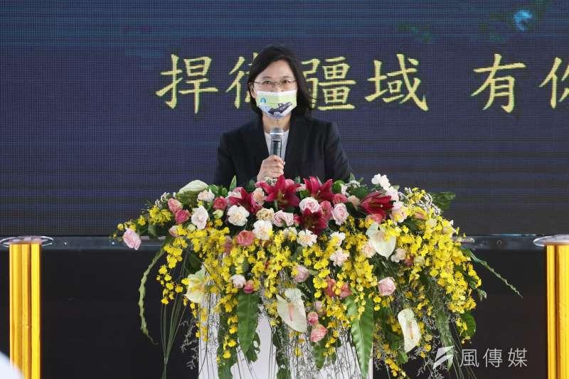 總統蔡英文11月24日上午前往高雄台船公司,主持潛艦國造廠房啟用典禮。(蘇仲泓攝)