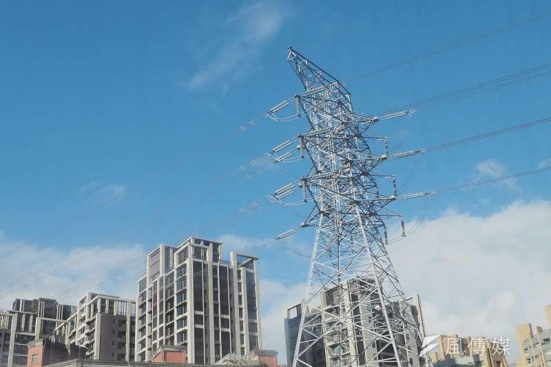 行政院22日拍板,單月用電1000度以上的用戶,超過1000度以外的使用量才適用夏月電價。(資料照,林瑞慶攝)