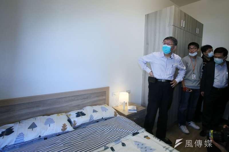 台北市長柯文哲(見圖)被問及明倫社宅3房型租金過高時說,表示會回去檢討。(柯承惠攝)