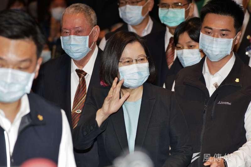 作者指出,民進黨政府在外交、經貿以及兩岸關係方面行為失當,使台灣陷入前所未有的困境。(資料照,盧逸峰攝)