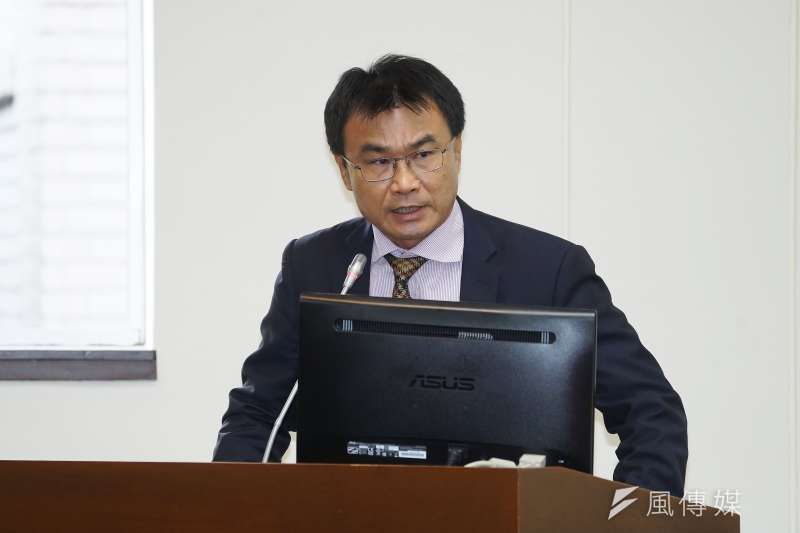 醫師蘇偉碩認為,農委會主委陳吉仲(見圖)應該對農委會「公告後又再修正公告」這件事和全民及憲法道歉。(資料照,盧逸峰攝)