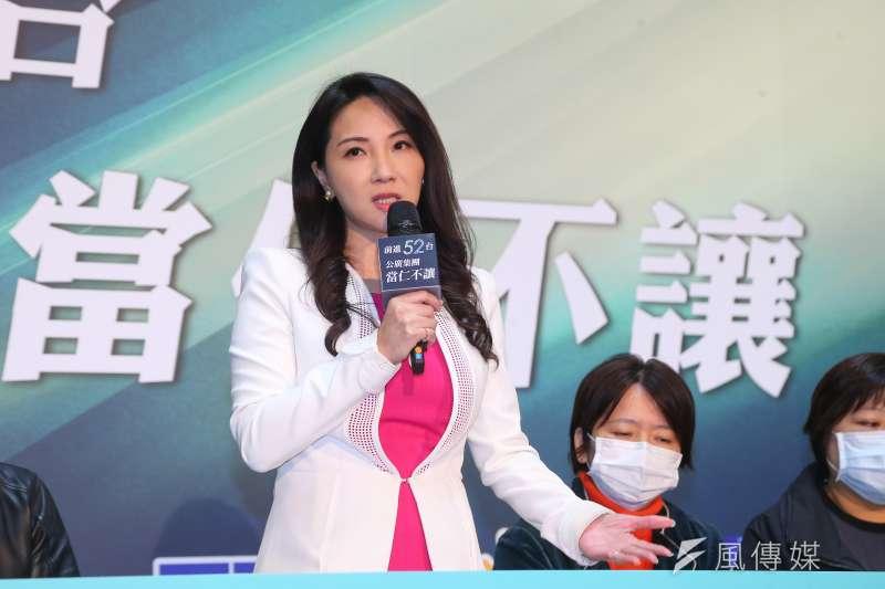 華視才進入52台,華視新聞部經理黃兆徽就請辭。圖為黃兆徽出席「公廣集團申請52台記者說明會」。(顏麟宇攝)