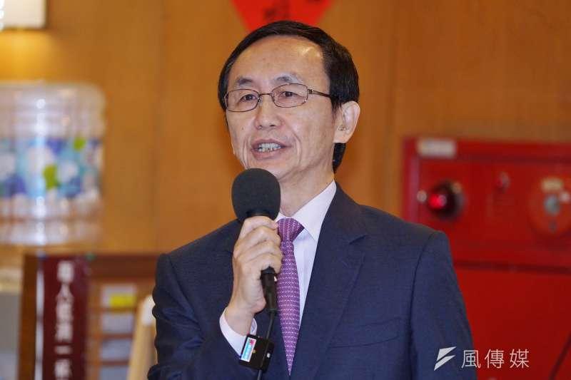 美麗島電子報董事長吳子嘉27日表示,每次在民進黨有困難的時候,國民黨便會跑出人幫忙轉移焦點。(資料照,盧逸峰攝)