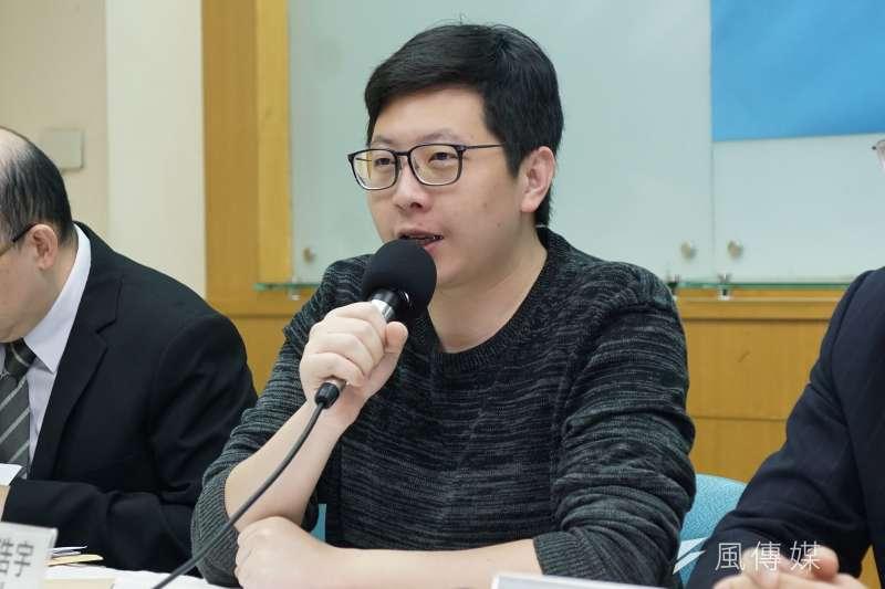 民進黨桃園市議員王浩宇(見圖)表示,已掌握相關違反《選罷法》證據。(資料照,盧逸峰攝)