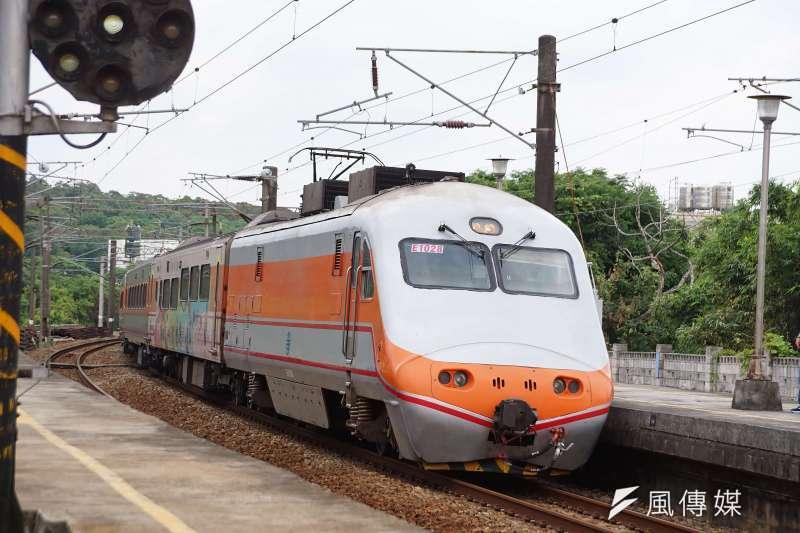 台鐵元旦連續假期車票到上午9時,花東及北高熱門時段都已售完。(資料照/盧逸峰攝)