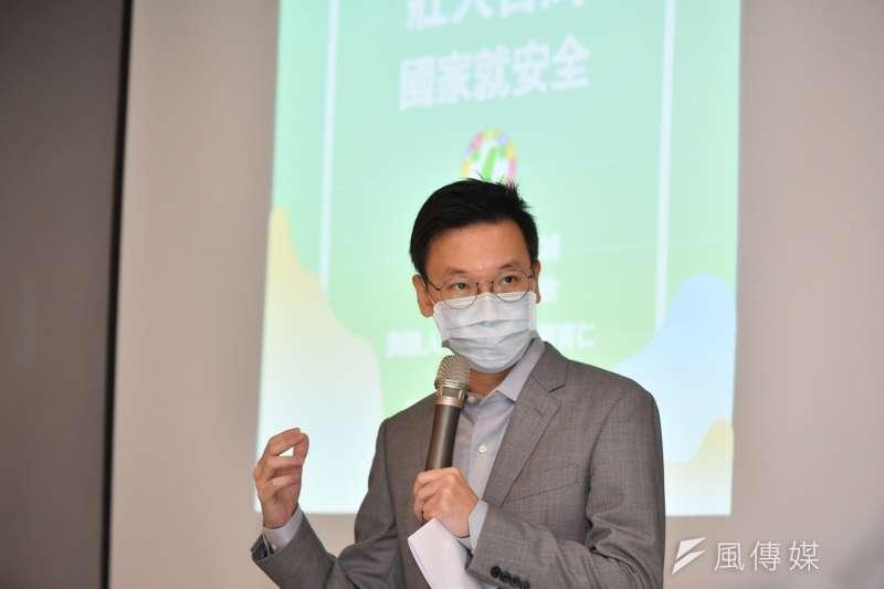 20201203-民進黨3日在召開首場「壯大台灣,國家就安全」座談會,副秘書長林飛帆出席。(民進黨提供)