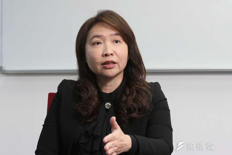 亞洲衛星電視暨寰宇新聞台總經理周欣怡接受《風傳媒》專訪,談及中天新聞台第52頻道相關議題。(柯承惠攝)