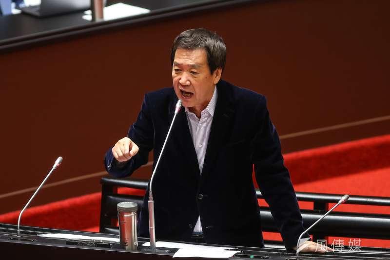 20201208-國民黨立委費鴻泰8日於立院質詢。(顏麟宇攝)