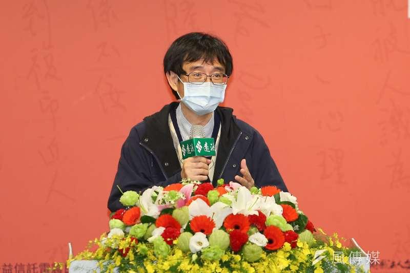 作者薛化元10日出席《民主的浪漫之路:雷震傳》新書發表會。(顏麟宇攝)
