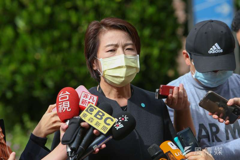 台北市副市長黃珊珊今(10)日再親赴行政院會,針對萊豬再提建言。(顏麟宇攝)