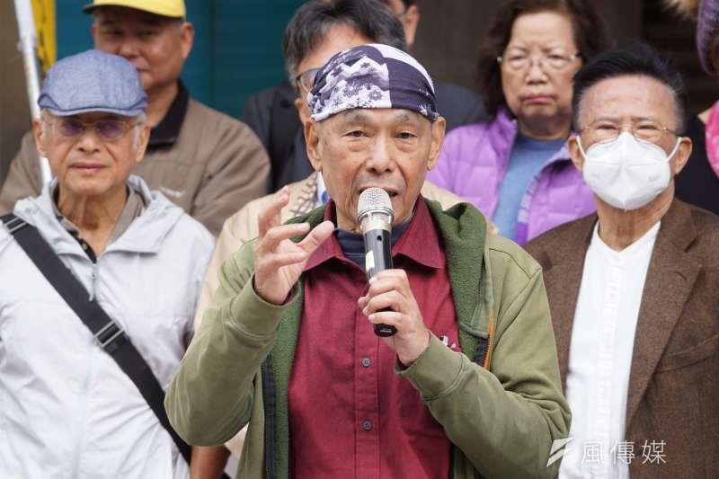 多位前黨外運動人士10日召開「世界人權日,體檢當權者」記者會,前立委林正杰發言。(盧逸峰攝)