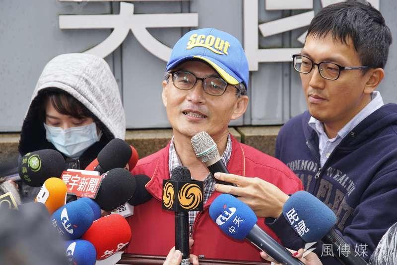 前榮總醫師蘇偉碩21日出席民間反瘦肉精毒豬聯盟記者會。(盧逸峰攝)