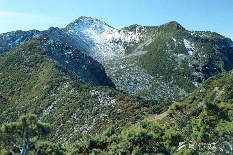 書中寫道,他們還沒爬上通往學校路上那處陡峭的斜坡,學校就座落在這個丘陵半山腰上面。(示意圖/雪霸國家公園遊憩課)