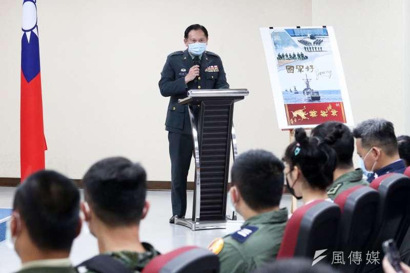 國防部發言人史順文少將(見圖)表示,有關共機異常活動,國軍秉持「不挑釁、不怯敵」及「越接近本島、越積極處置」的指導應處。(蘇仲泓攝)