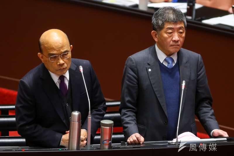 草協聯盟發起人李正皓表示,若衛福部長陳時中(右)2022到新北市參選,會同時被2個男人輾壓。(資料照,顏麟宇攝)