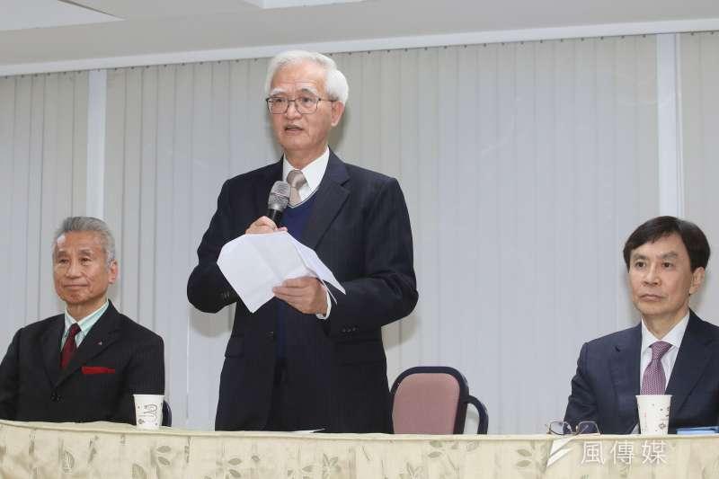 大同公司22日舉行記者會,宣布新任董事長由盧明光(中)擔任。(柯承惠攝)