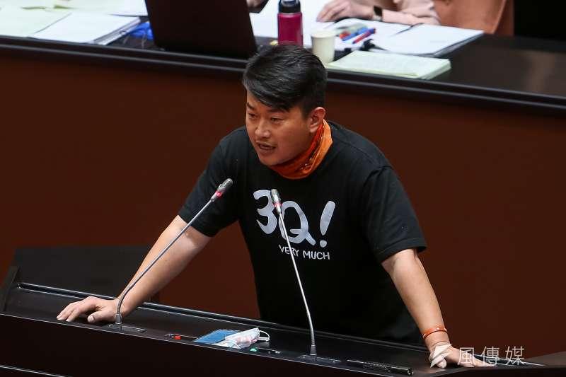 「宅神」朱學恒表示,自己絕不支持罷免基進黨立委陳柏惟(見圖),因為罷掉他會讓民進黨支持度回升。(資料照,顏麟宇攝)