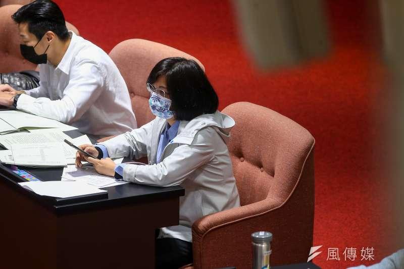 民進黨立委林淑芬24日於臉書發文表示,自己若因堅持理念和價值被黨處分,「我坦然接受。」(顏麟宇攝)