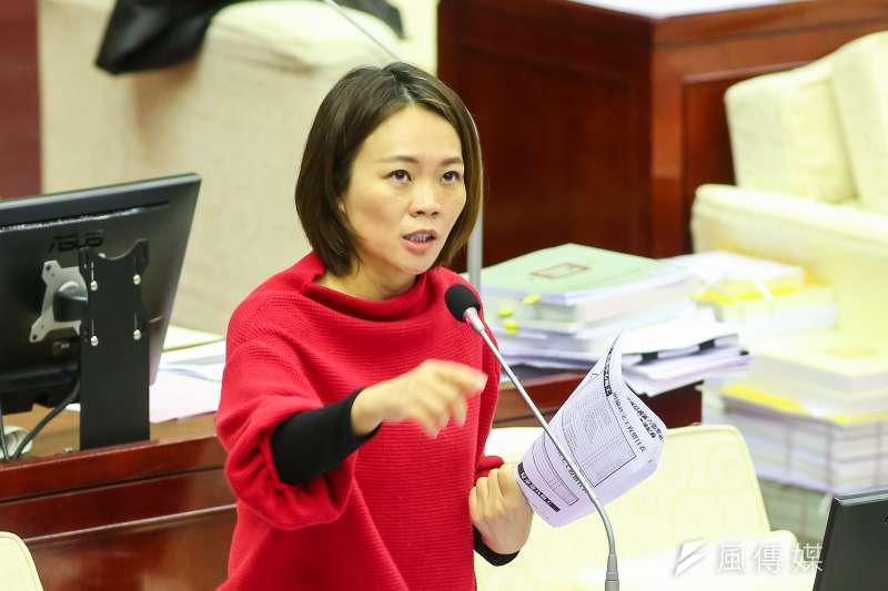 簡舒培譴責費鴻泰槍斃說,並說費鴻泰完全毫無悔意,還在政論節目中繼續嗆「應該被槍斃10次」。(資料照,顏麟宇攝)
