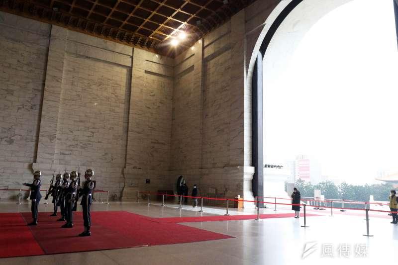 20210108-中正紀念堂目前由空軍儀隊負責執行禮兵勤務。(蘇仲泓攝)