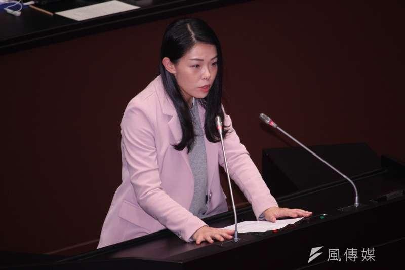 民眾黨立委高虹安(見圖)呼籲行政院新任發言人羅秉成,不要再做梗圖攻擊在野黨。(資料照,蔡親傑攝)