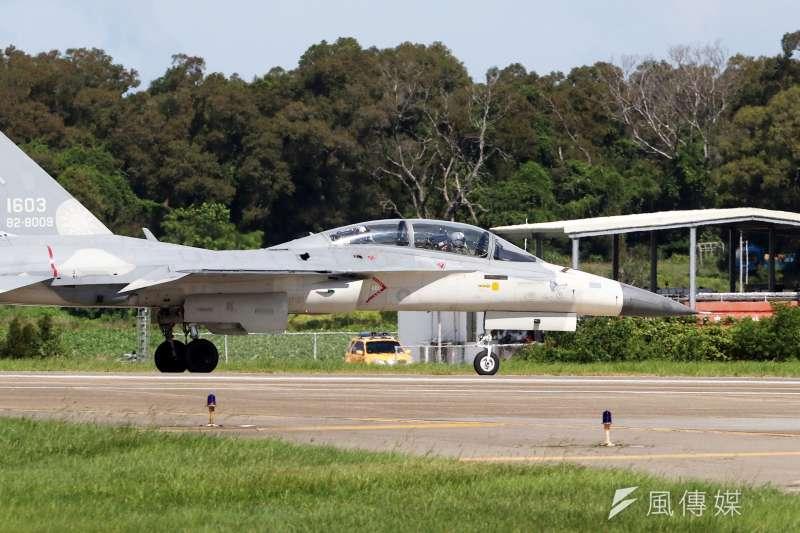 20210115-空軍IDF(見圖)與F-16、幻象2000是我國的三型主力戰機,其中又以IDF的國造背景,最為國人熟知,堪稱國機國造之光,也是最具代表性的政策執行成果。(蘇仲泓攝)