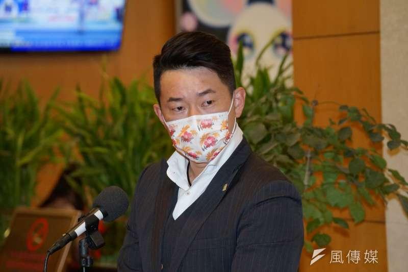 立委陳柏惟(見圖)今(18)日受訪時表示「朱學恒是什麼咖啊?」(資料照,盧逸峰攝)
