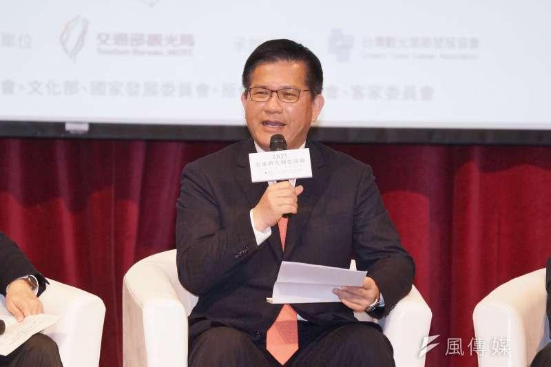 交通部部長林佳龍更主持觀光主流化圓桌會議,邀集7大部會代表暢談如何在各領域促進台灣觀光發展。(盧逸峰攝)