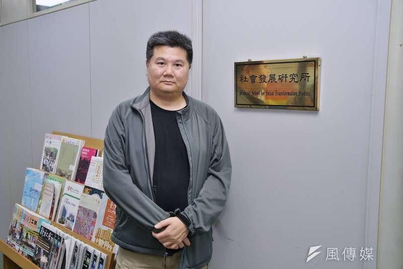 20210121-導演李惠仁接受《風傳媒》專訪。(盧逸峰攝)