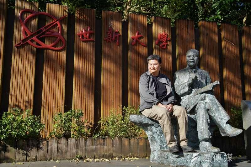 導演李惠仁紀錄片《上學去》,探討高等教育愈趨惡化的現象。(盧逸峰攝)