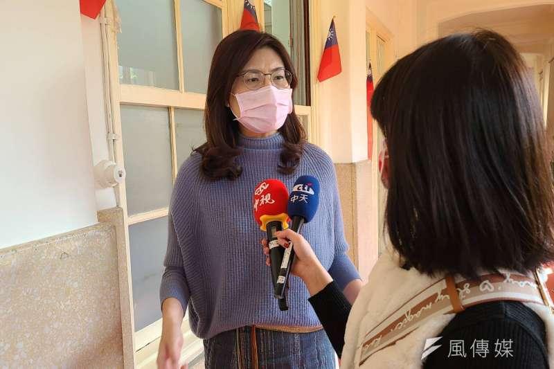 國民黨立委接受媒體訪問談罷捷案。(潘維庭攝)
