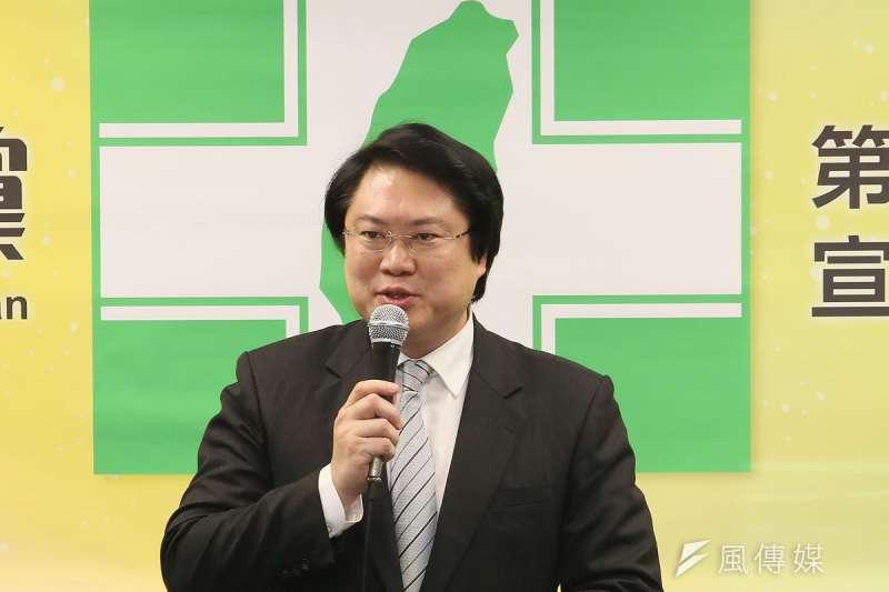 基隆市長林右昌2022年將兩屆期滿,民進黨內會由誰代表參選仍未明朗。(柯承惠攝)