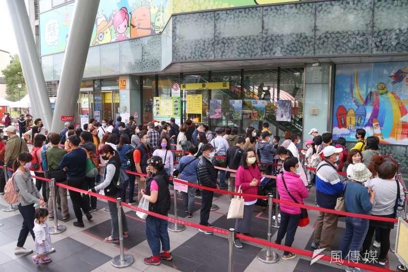 北市貓空纜車營運至今已15年,台北捷運公司表示,預計自8月30日起進行為期約100天換纜作業。(資料照,顏麟宇攝)