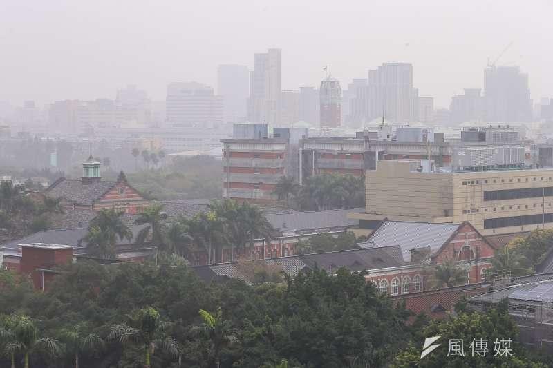 西部地區近幾日空氣品質不佳,環保署表示,今日從北部、竹苗到中部品質都達到紅色警示等級。(示意圖/資料照)