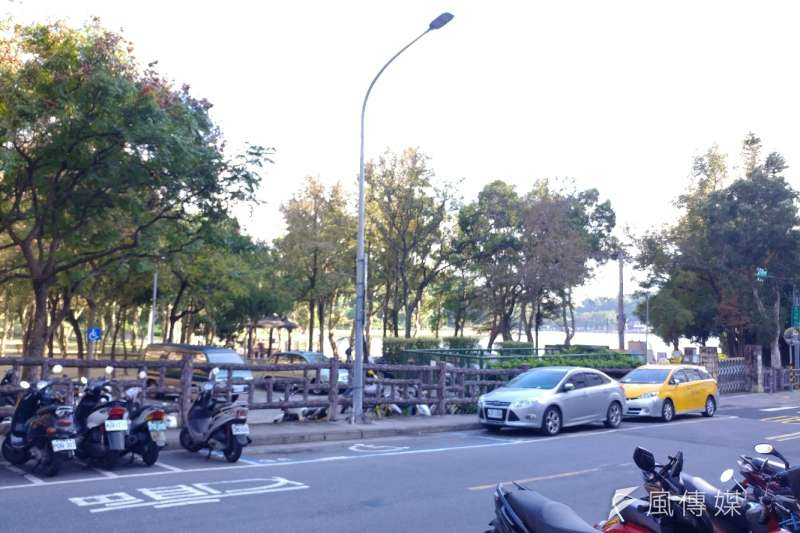 台北市公用停車費欠費嚴重,去年催收金額達2651萬6950元。(新新聞資料照)