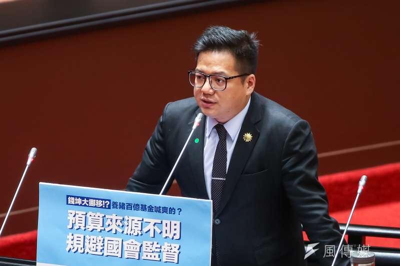 20210226-民眾黨總召邱臣遠26日於院會質詢。(顏麟宇攝)