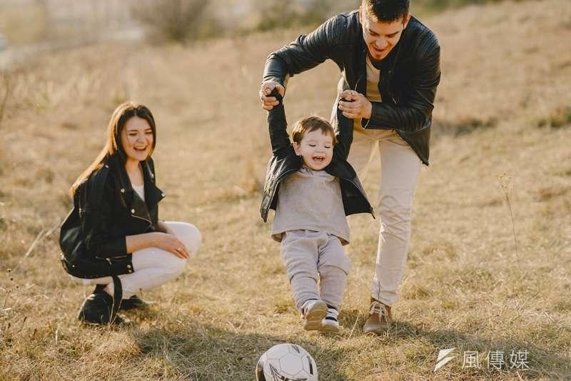 父母與孩子是世界上唯一斷不了的關係,因此更需要好好珍惜。(圖/取自Pixabay )